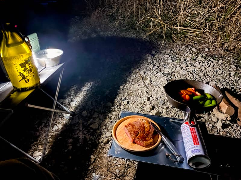男のキャンプ飯