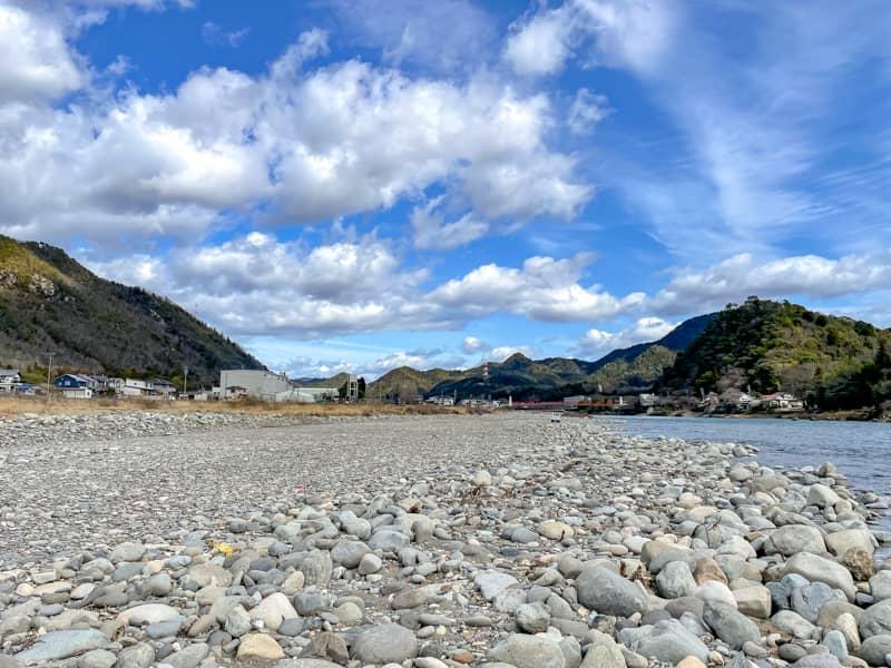 【長良川河川敷で無料キャンプ】野営気分が楽しめる美濃橋のキャンプスポットを紹介