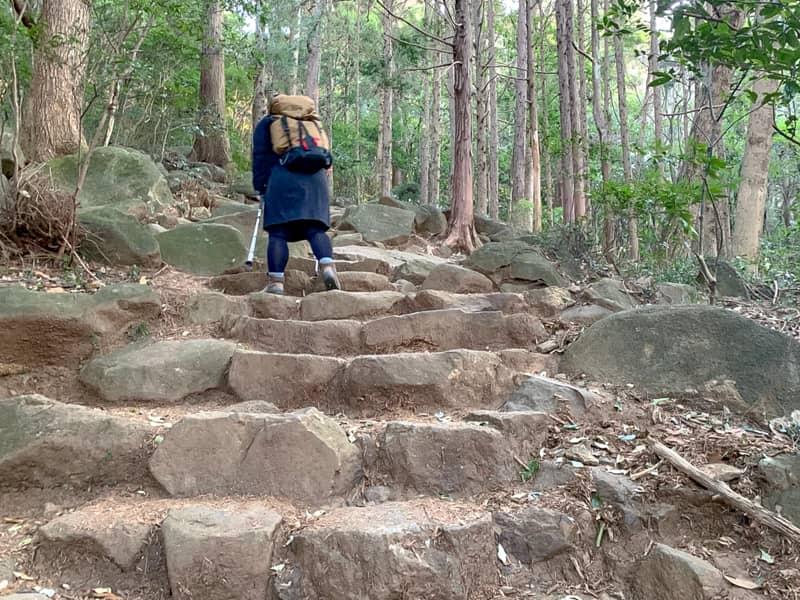 4.岩の階段