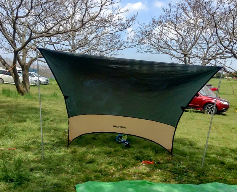 いよいよテントの設営