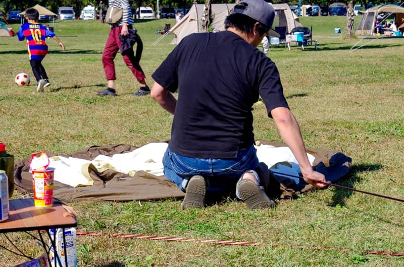 テントやタープの設営は事前に公園などで練習する-1