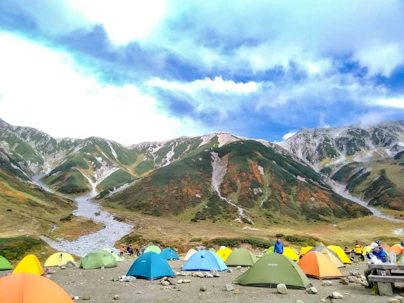 ケーブルカーとバスで行ける!立山にある開放感抜群の雷鳥沢キャンプ場でテント泊しよう