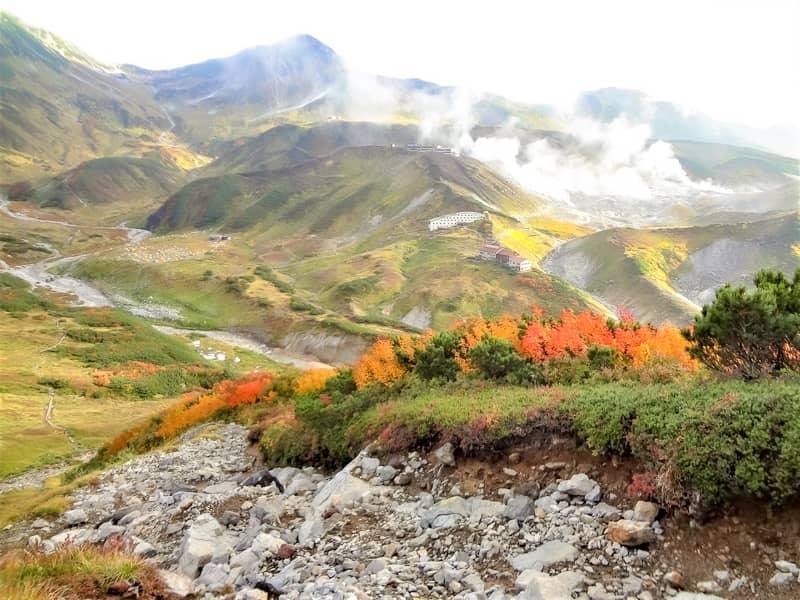 紅葉とテント場と地獄谷