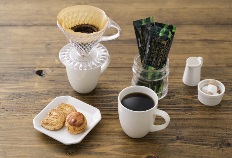 キーコーヒーから超本格スティックレギュラーコーヒーが発売!キャンプでも上質な香りを楽しめる!