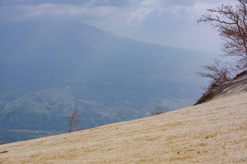 北東方向を見渡すと八ヶ岳連峰が見える