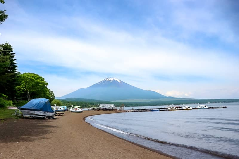 フォレストコテージ_湖畔富士山