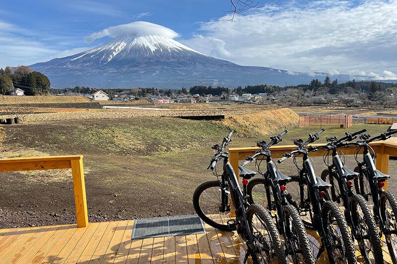 富士山とマウンテンバイク