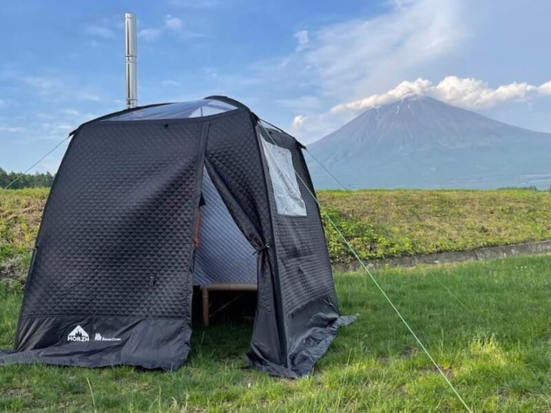 富士山の目の前でアウトドアサウナ体験-800x600