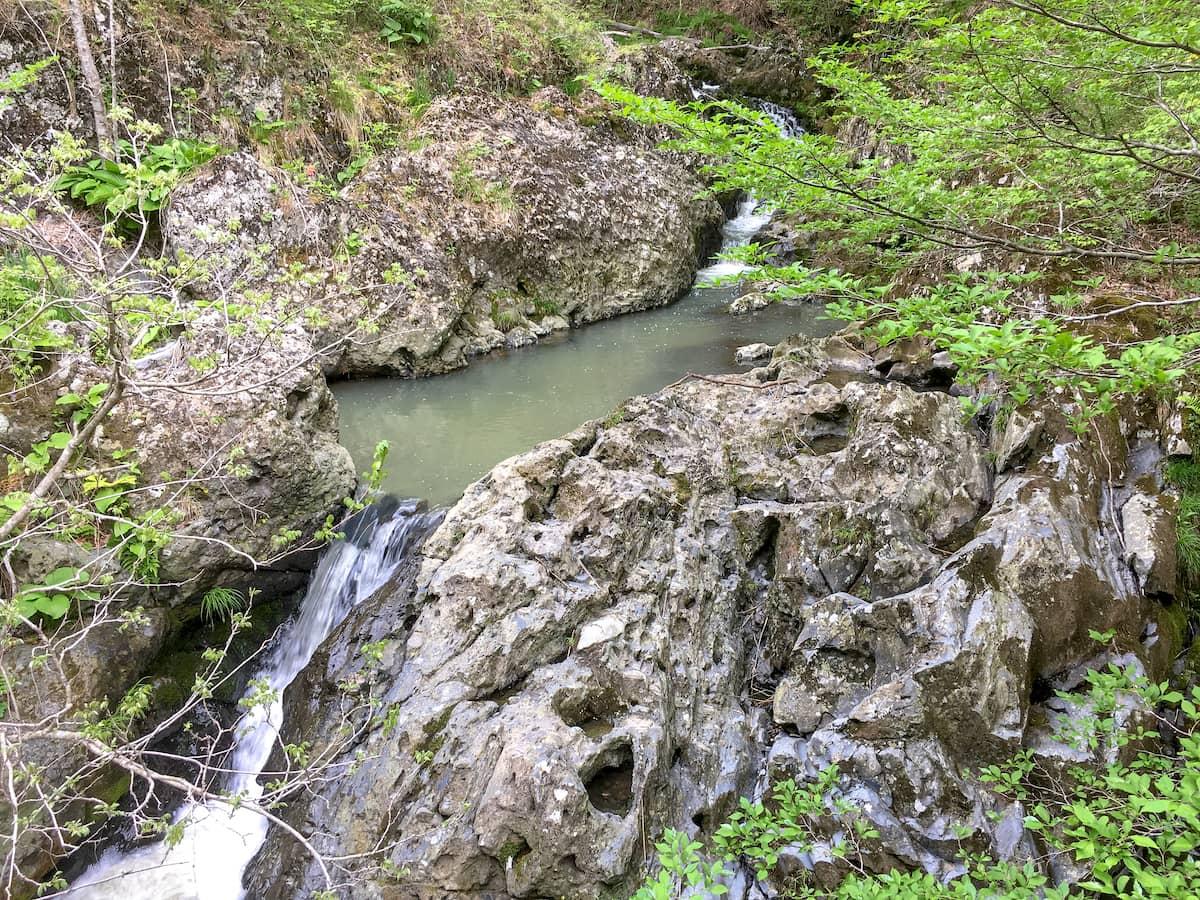 岩手県一関市にある無料キャンプ場!刈生沢の滝渓流公園は静かな夜が最高です!