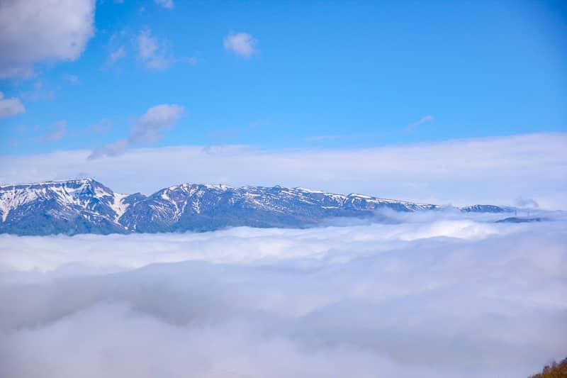 数々の山々を一望できる絶景