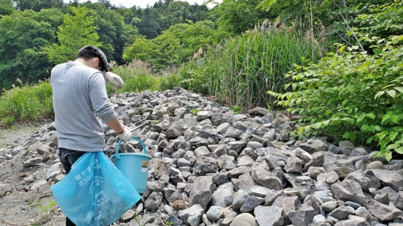 東京でBBQやキャンプが無料で楽しめる「柚木の川原」にて清掃ボランティア活動を実施