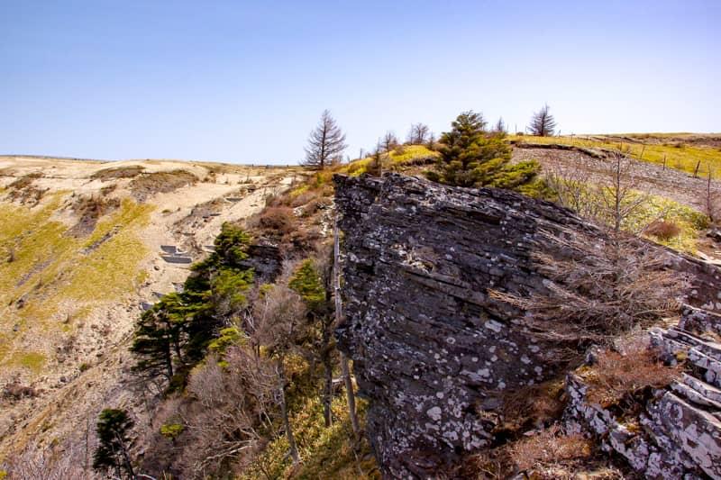 烏帽子岩が見えてきます