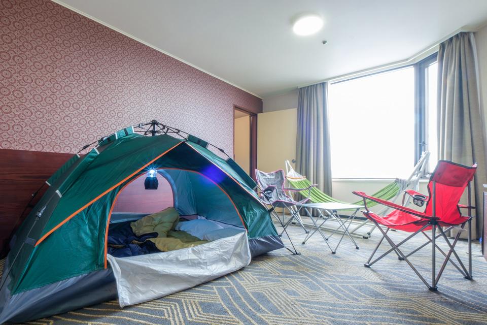 ホテルでキャンプ (2)