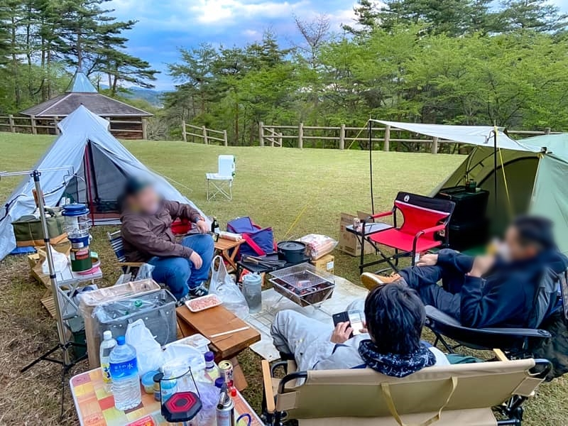 花泉運動公園キャンプ場でグループキャンプ