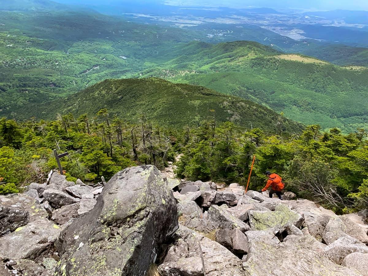 山頂も、山頂までも、岩だらけ!?長野の日本百名山「蓼科山」上級者コースを堪能してきました