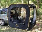 車に連結できるキューブ型ポップアップテント「CARSULE(カースル)」初の展示販売が決定!
