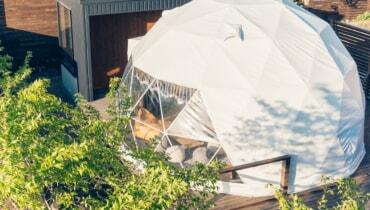 大分の温泉付きグランピング施設「The Village 由布院」に新たにドームテントエリアが誕生