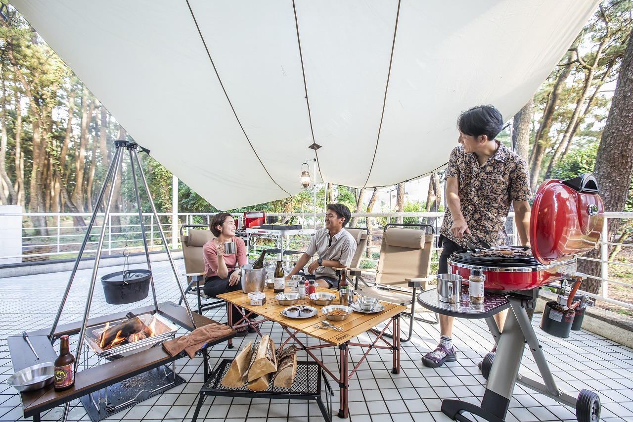 松林に囲まれたコテージでテラスキャンプ!宮崎の 「コテージ・ヒムカ」で新プラン登場!