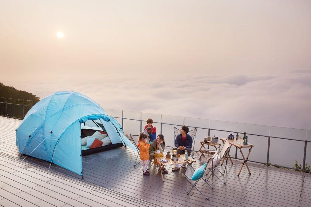 天空の絶景を貸し切り!1日1組限定のリゾナーレトマムの「雲海テラスキャンプ」がすごい!
