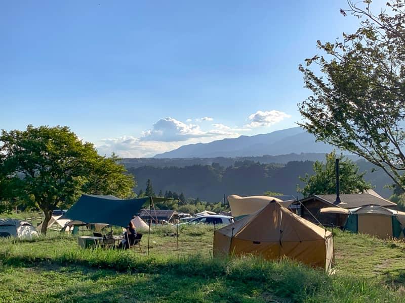 他のキャンプ場とは一線を画した圧倒的な広さの区画サイト