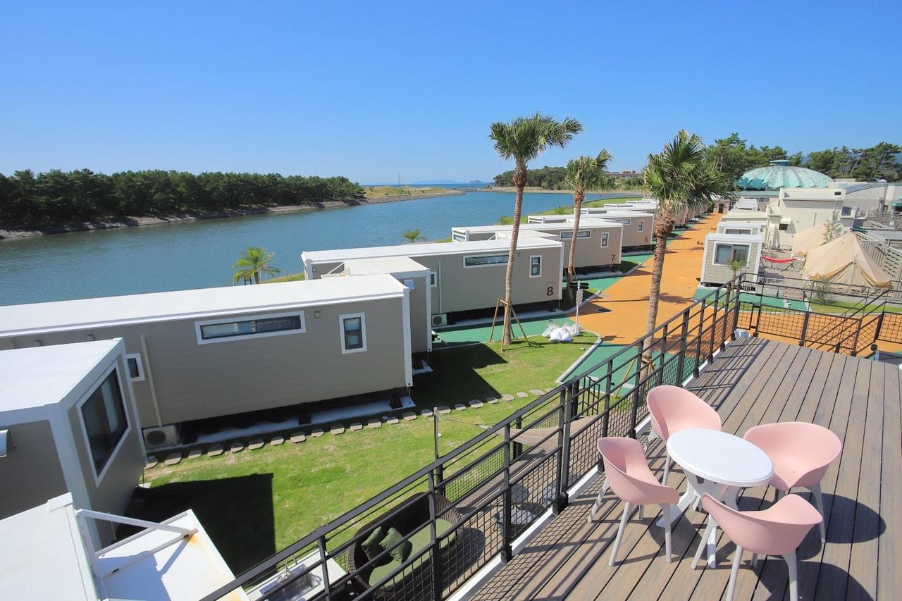 鹿児島の吹上浜にグランピング施設が誕生!海を眺める贅沢なロケーションで癒されよう