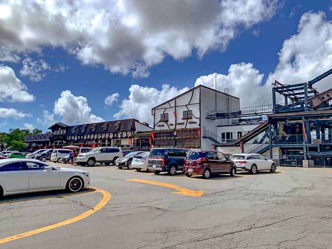 それぞれ最寄りの駐車場は「北八ヶ岳ロープウェイ駐車場