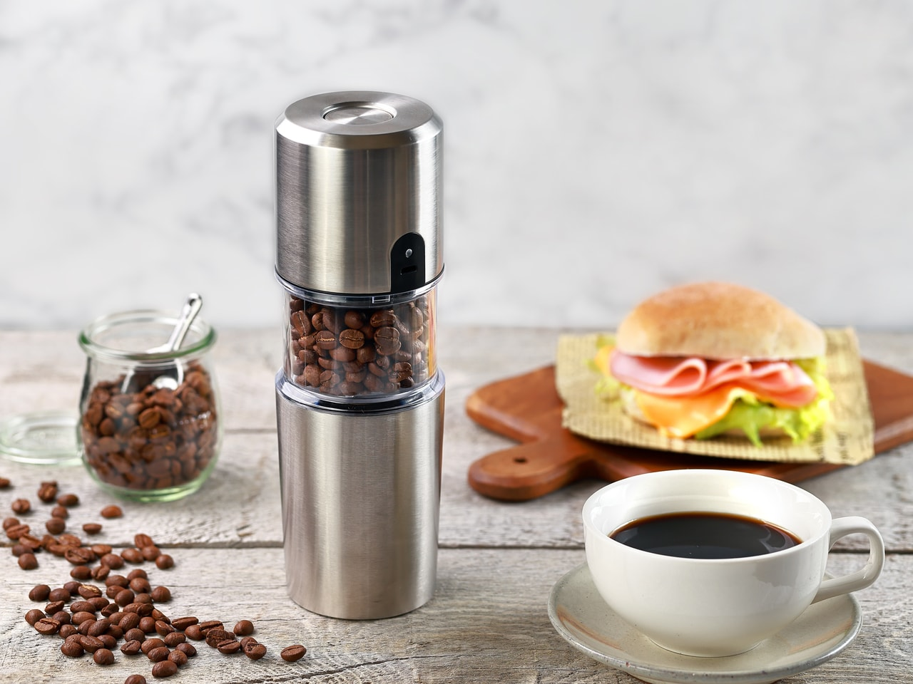 電動コーヒーミル×フィルター×コップが一体となったミルで本格コーヒーをお手軽に!
