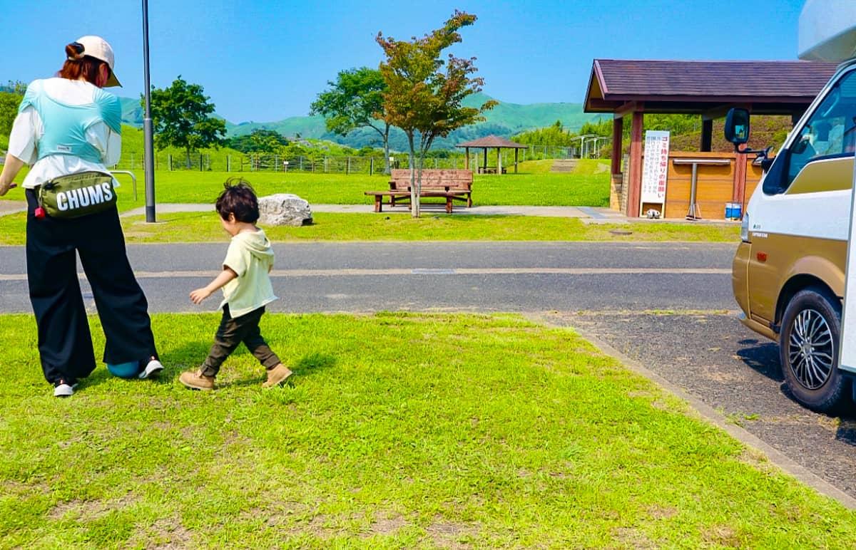 1歳~3歳の幼児が夢中になるキャンプでの遊び道具を紹介!安全に遊べる5つのポイント