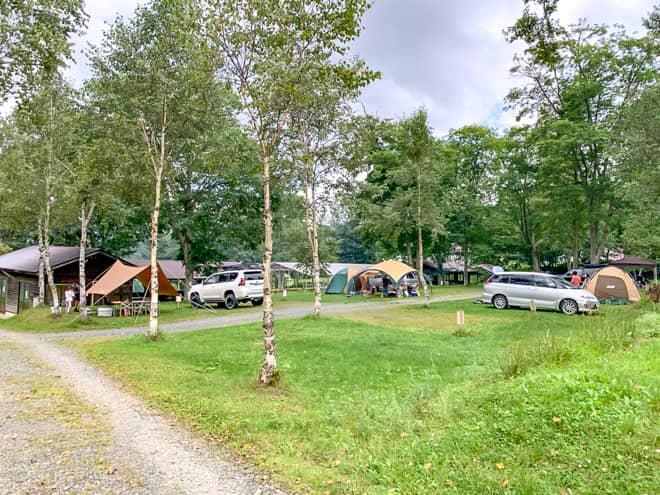 電源サイトはキャンプ場の中心部に集約