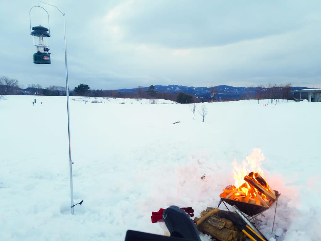 雪中キャンプと焚き火