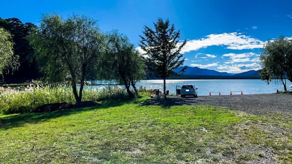 予約不要の西湖・湖畔キャンプ場で狙いたい時間帯や場所取りのコツ
